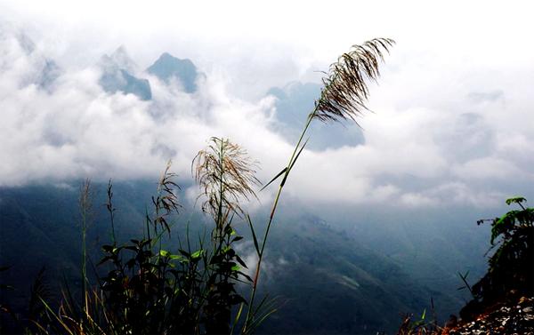 Vẻ đẹp trên con đường lên Săm Pun