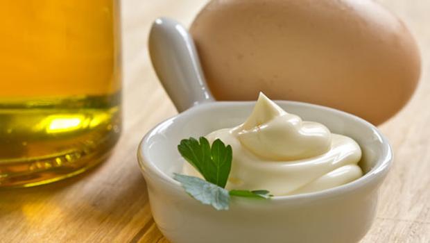 Sử dụng sốt mayonnaise cho món chả mực chiên vàng
